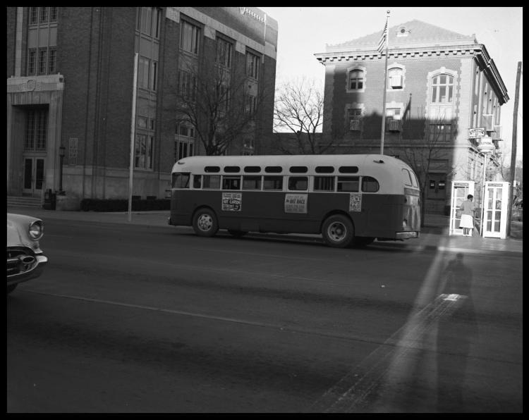 Агитация использования такси и автобусом вместо своего автомобиля. Фото № 5