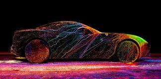 Как показать скорость при помощи искусства и ультрафиолетовой краски?