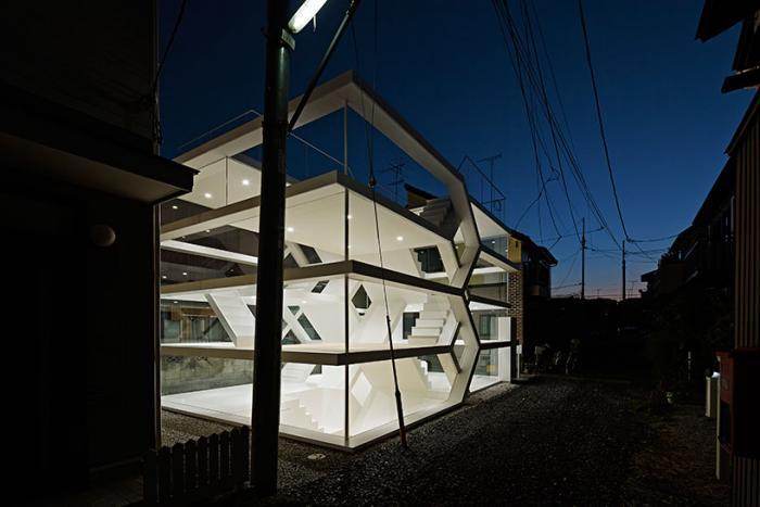 Юуусуке Карасава. Японский дом!