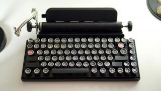 Как превратить винтажную пишущую машинку в клавиатуру