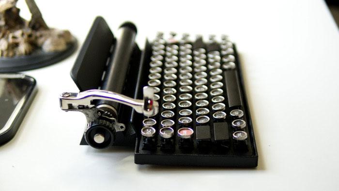 Как превратить винтажную пишущую машинку в клавиатуру. Фото № 2