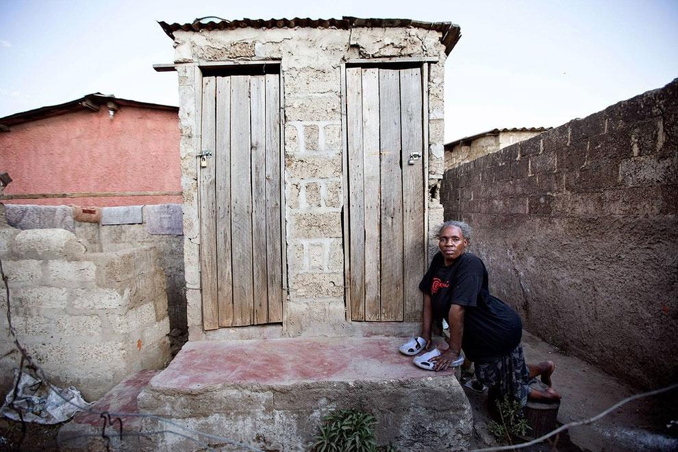 Как выглядят туалеты в разных странах мира. Фото_09