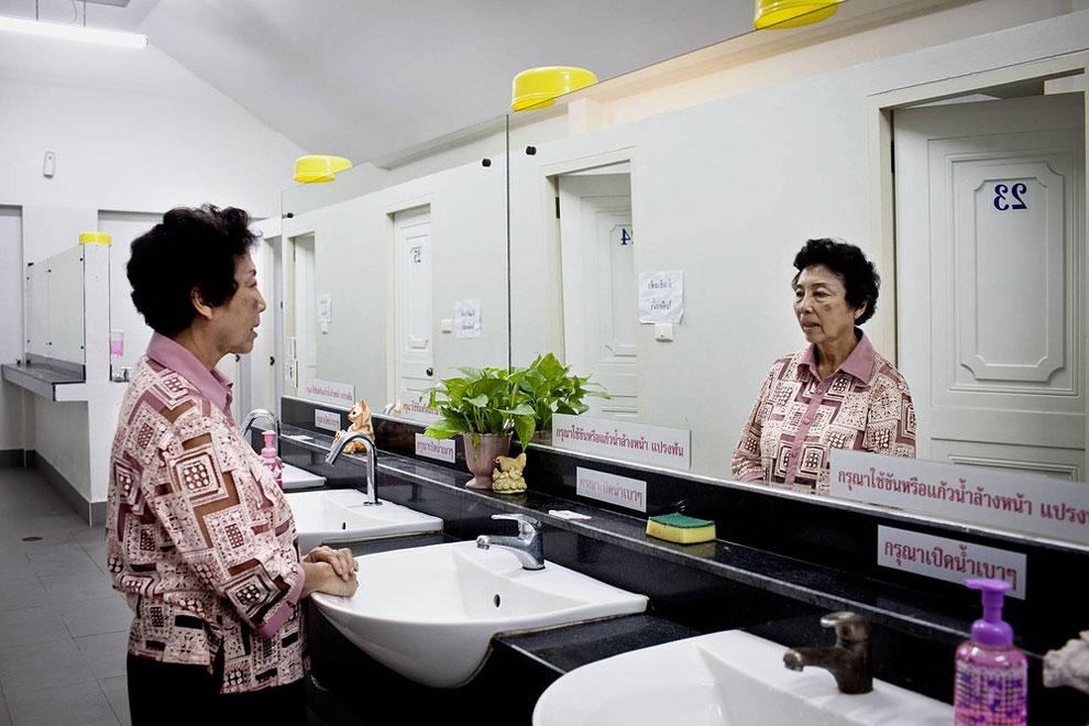 Как выглядят туалеты в разных странах мира. Фото_18