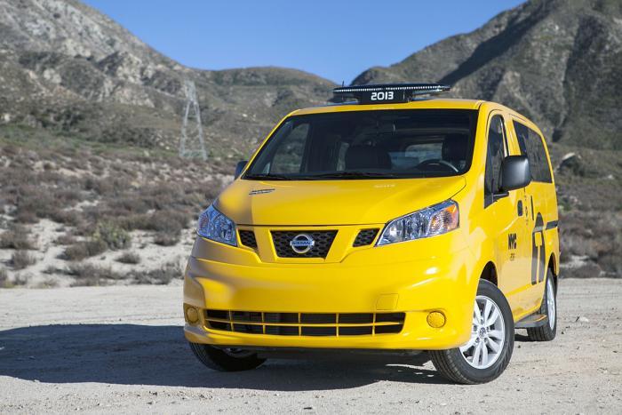 Nissan NV200. Фотографии Нью-Йоркского желтого такси. 24 фото