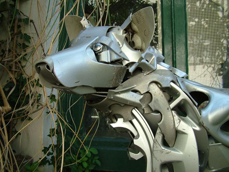 Хендмэйд из колпаков в скульптуры животных. Фото № 13