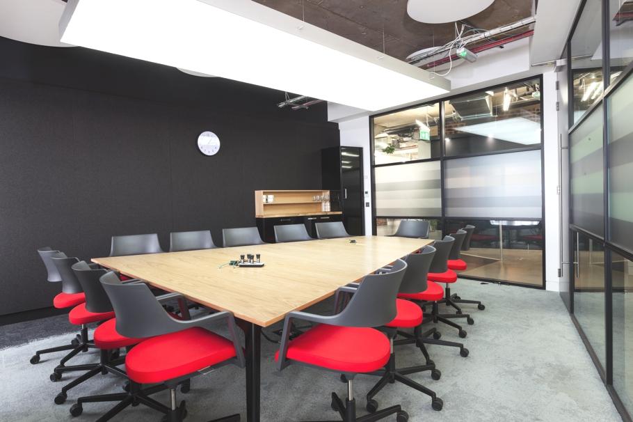 Современный дизайн офиса. Фото № 12