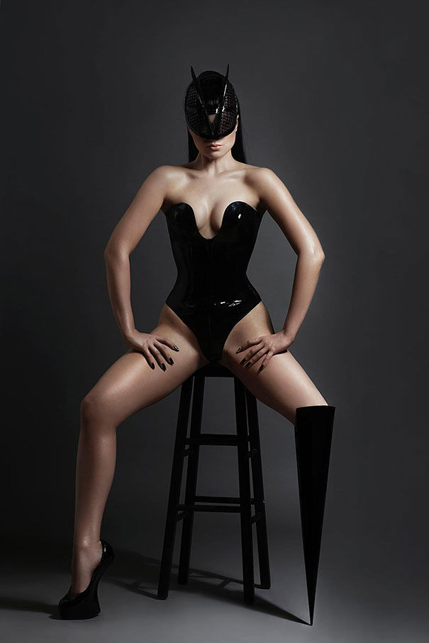Виктория Модеста с ампутированной ногой. Фото № 4