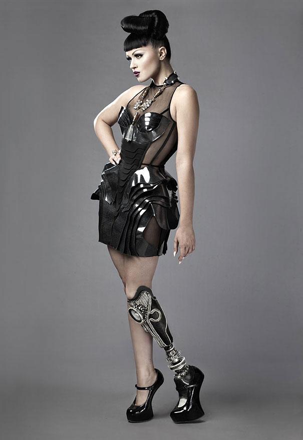Виктория Модеста с ампутированной ногой. Фото № 8