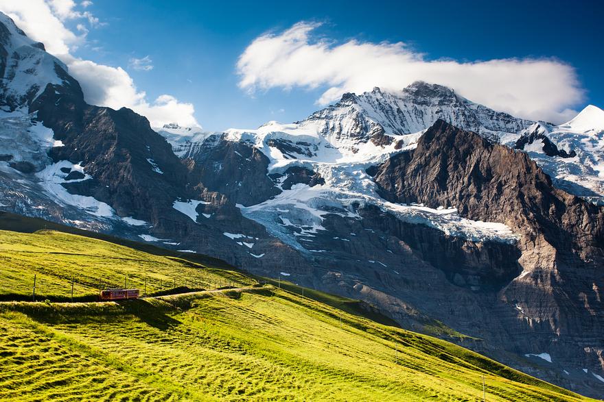 Железная дорога в горах. Швейцарское высокогорье. Фото № 2