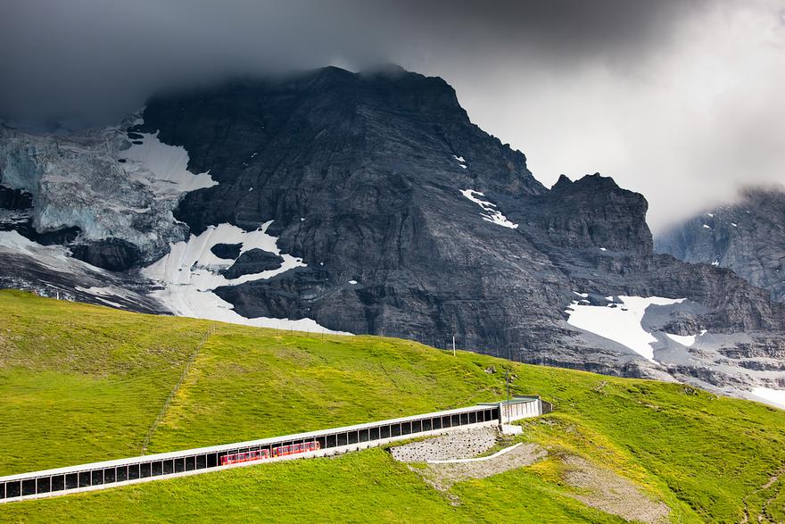 Железная дорога в горах. Швейцарское высокогорье. Фото № 4
