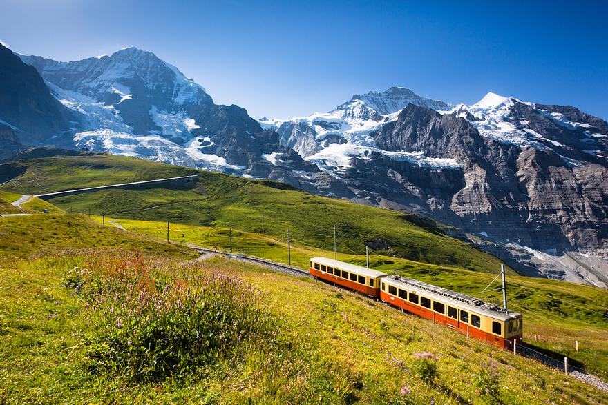 Железная дорога в горах. Швейцарское высокогорье. Фото № 6
