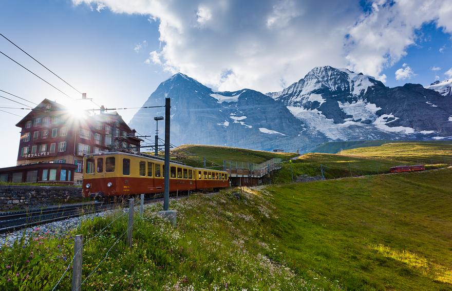 Железная дорога в горах. Швейцарское высокогорье. Фото № 7