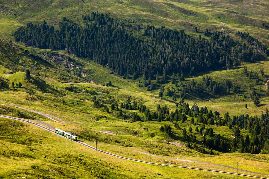 Железная дорога в горах. Швейцарское высокогорье. Фото № 9