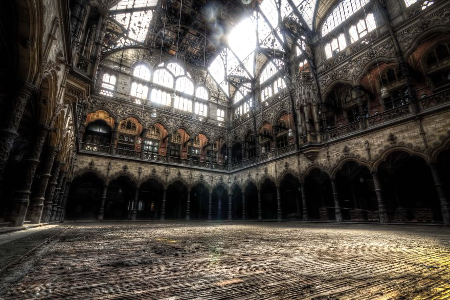 Пустые и заброшенные здания и места. Фото № 3