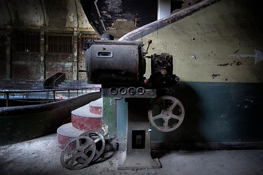 Пустые и заброшенные здания и места. Фото № 4