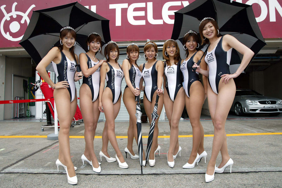 Полуобнаженные красавицы Формулы 1. Фото № 12