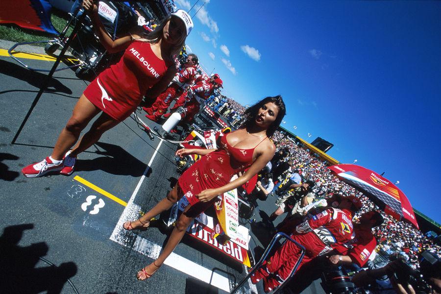Полуобнаженные красавицы Формулы 1. Фото № 30