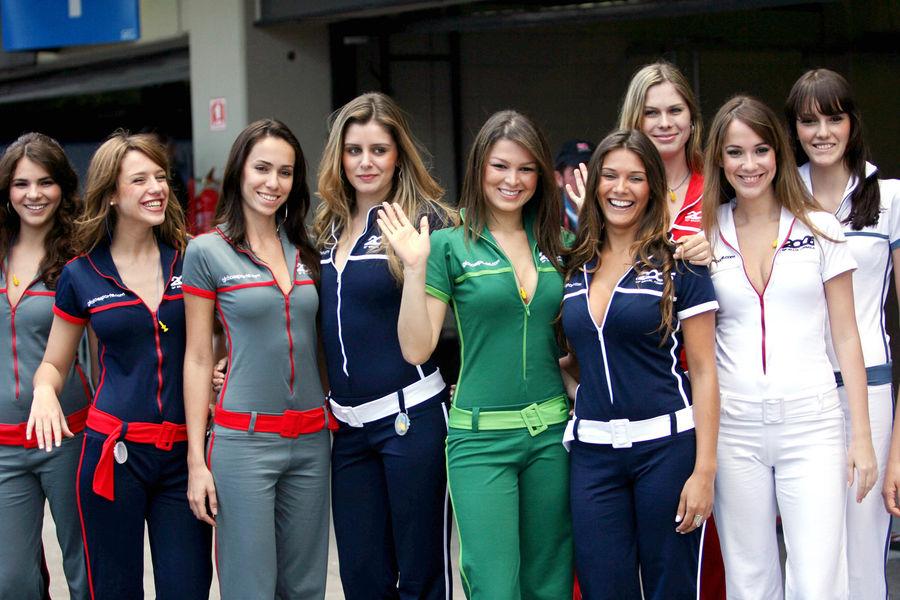 Полуобнаженные красавицы Формулы 1. Фото № 44