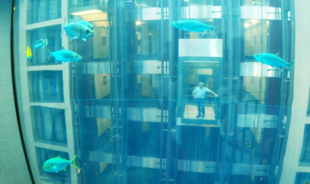 Гигантский аквариум в Берлине_09