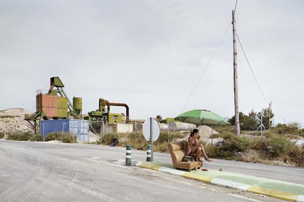 Проститутки ждут клиентов у дороги. Фото № 4
