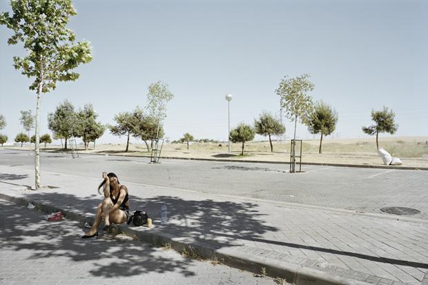 Проститутки ждут клиентов у дороги. Фото № 9