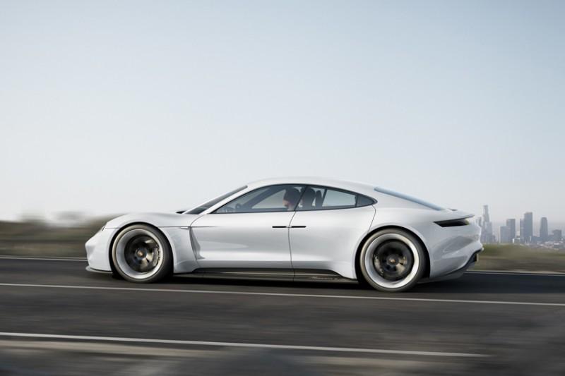 Porsche Mission E Concept фото-6