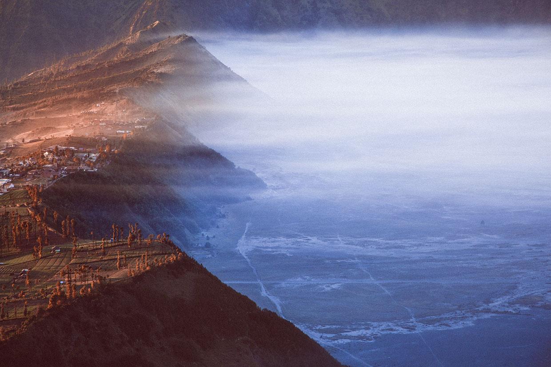 извержение кратера,сера, поток, голубой цвет. Фото № 5