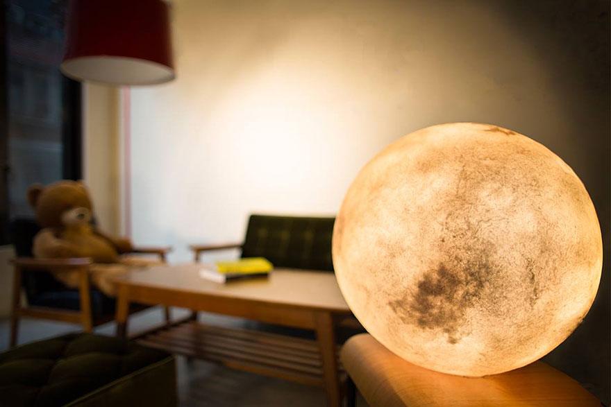 лампа в виде луны, сделано в тайване-1