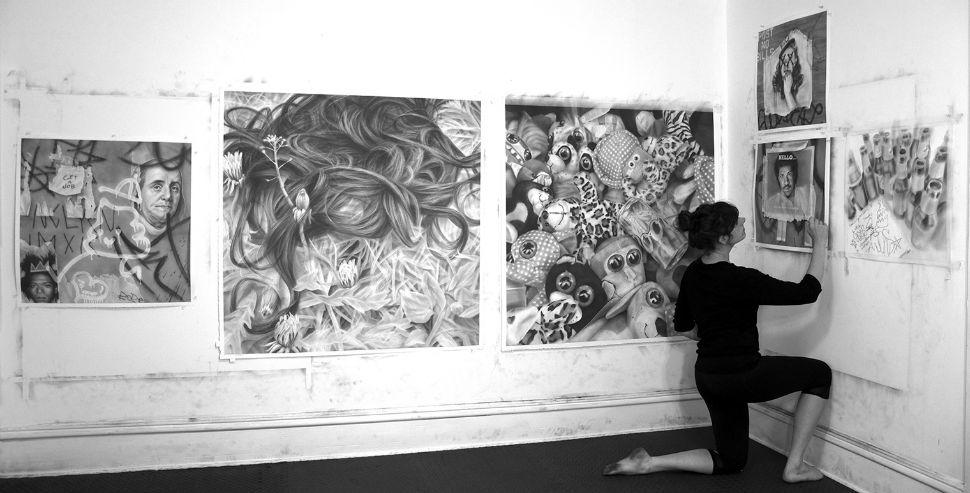 рисунки графитом на холсте, удивительная техника_5