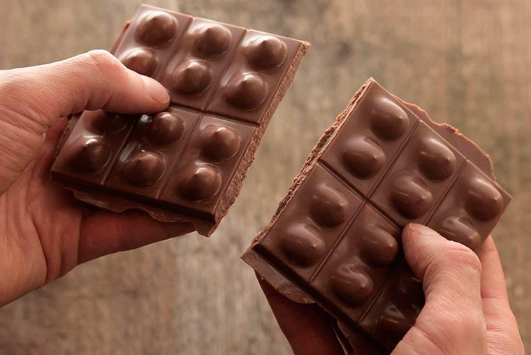 сексуальный шоколад, женская грудь, молочный шоколад, фото_9