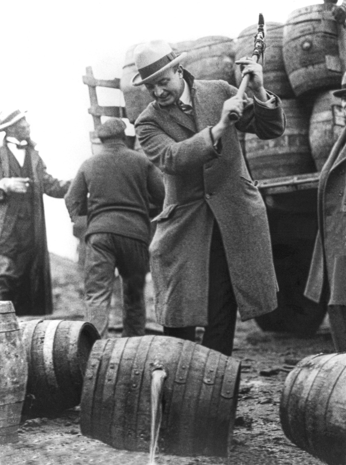 сухой закон, история США, уничтожение спиртного, выпивка-3