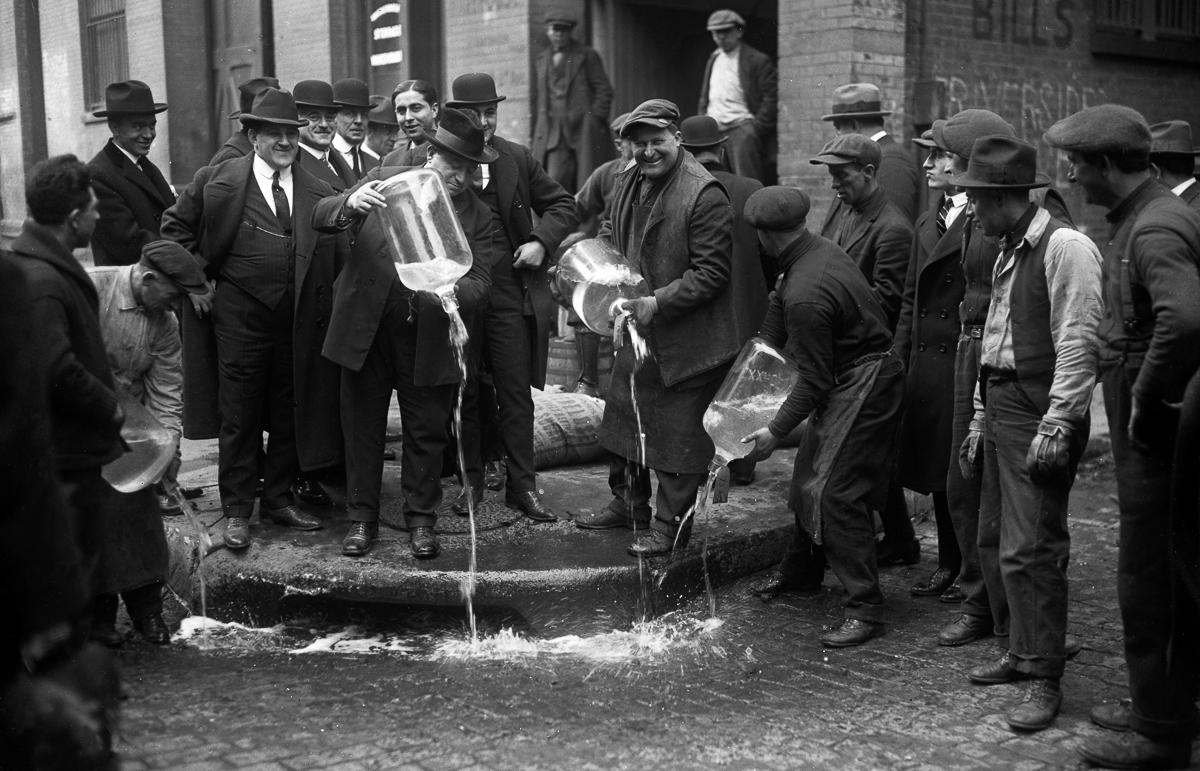 сухой закон, история США, уничтожение спиртного, выпивка-7