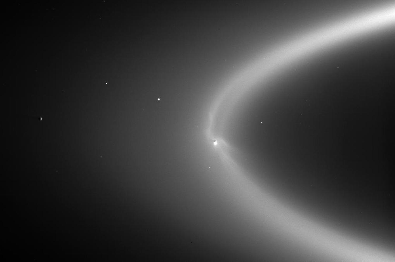 Энцелад, ледяной спутник Сатурна-12