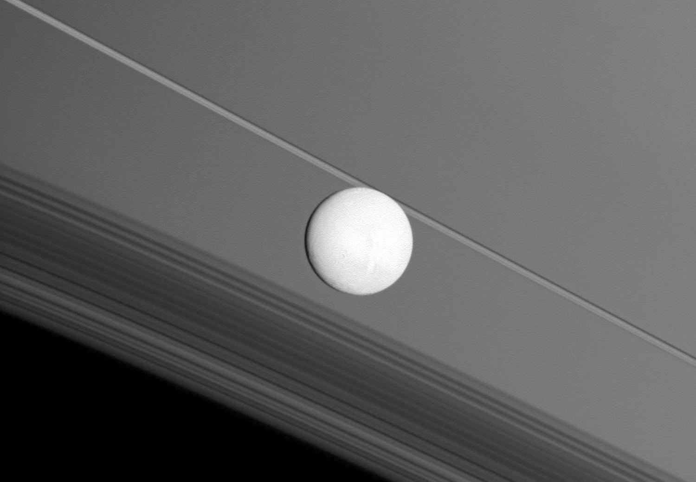 Энцелад, ледяной спутник Сатурна-13