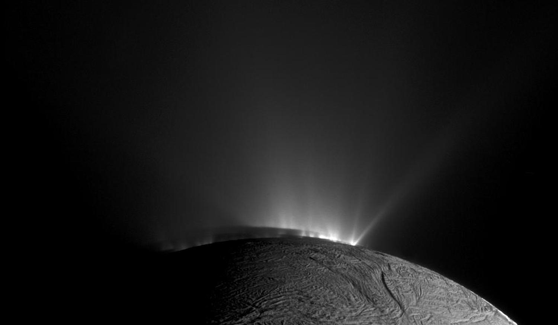 Энцелад, ледяной спутник Сатурна-2