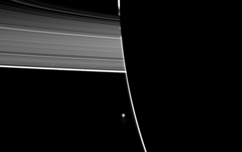 Энцелад, ледяной спутник Сатурна-23