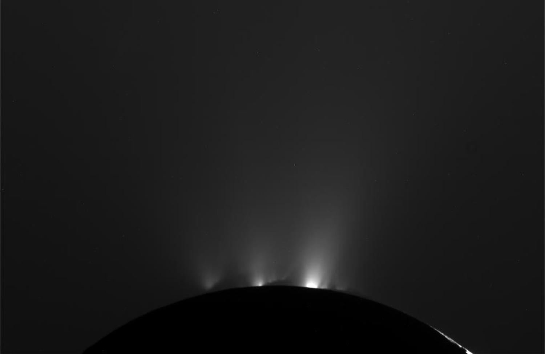 Энцелад, ледяной спутник Сатурна-7