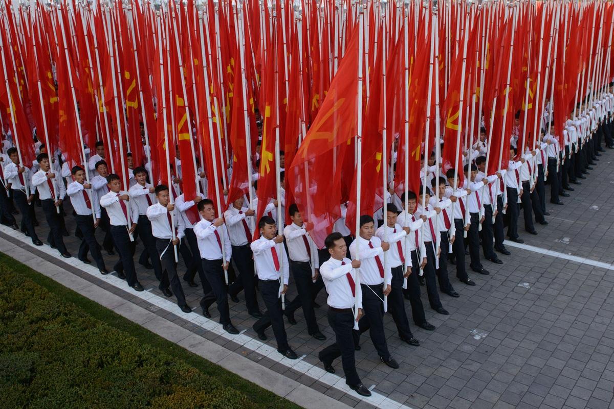 Флаги и знамена. Все как положено