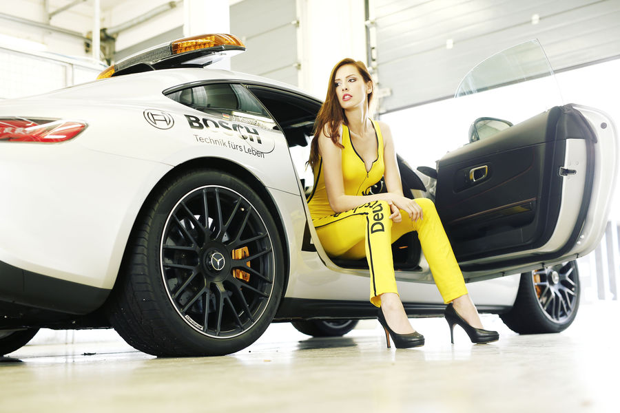 девушки с гонок DTM, сезон 2015 года, автоспорт-13