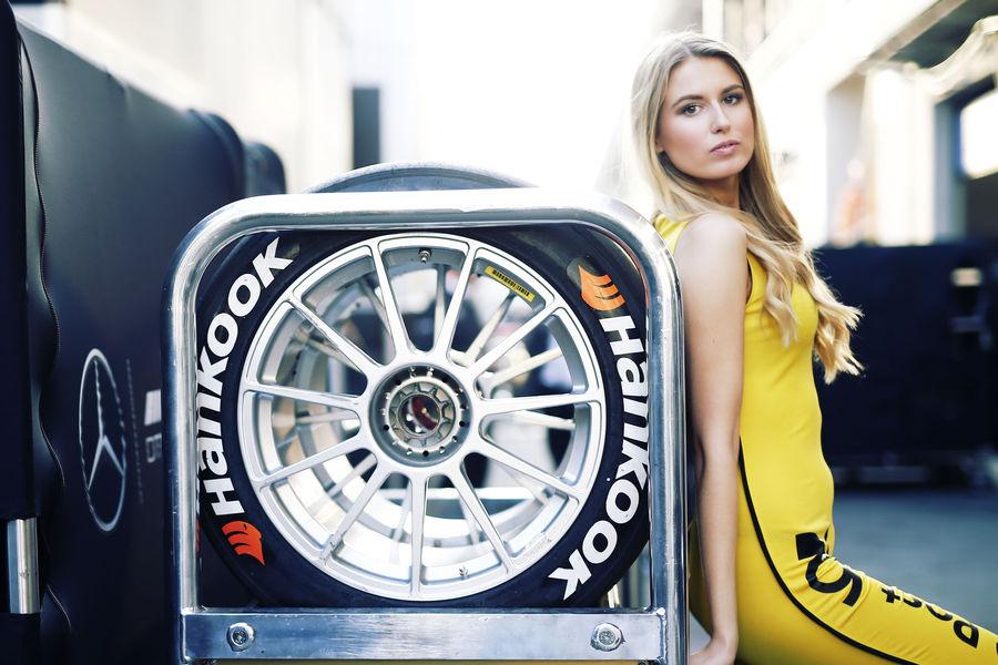 девушки с гонок DTM, сезон 2015 года, автоспорт-16
