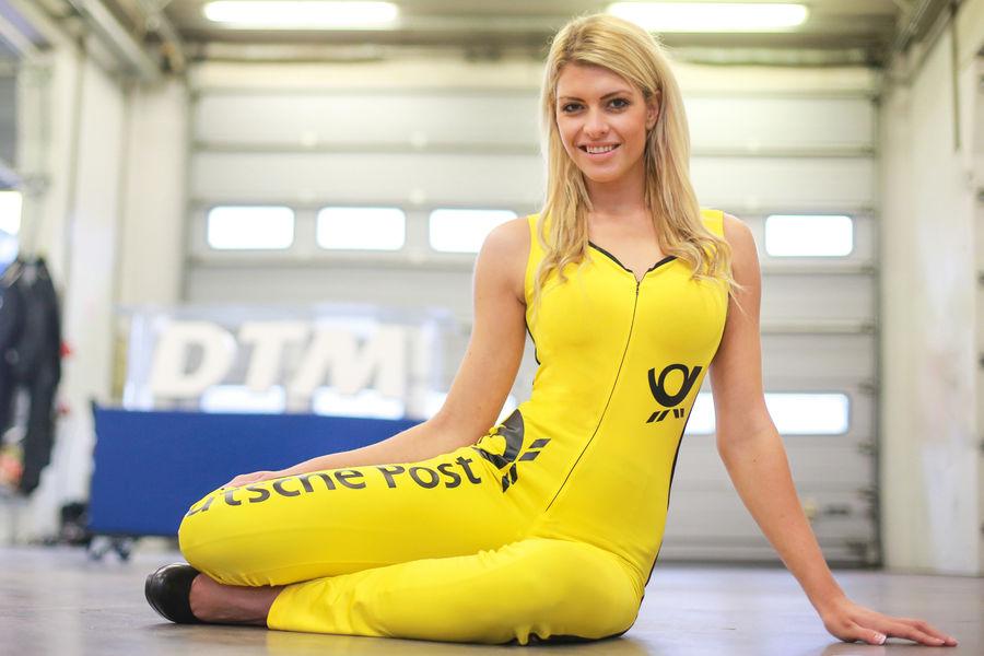 девушки с гонок DTM, сезон 2015 года, автоспорт-17