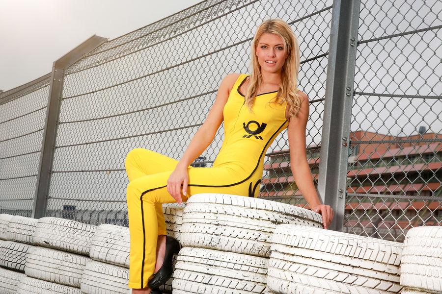 девушки с гонок DTM, сезон 2015 года, автоспорт-26