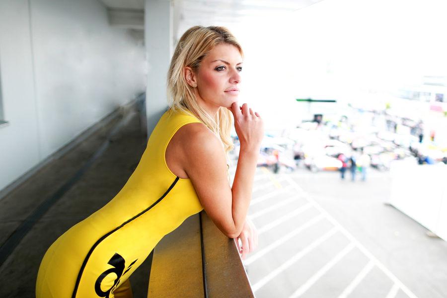 девушки с гонок DTM, сезон 2015 года, автоспорт-27