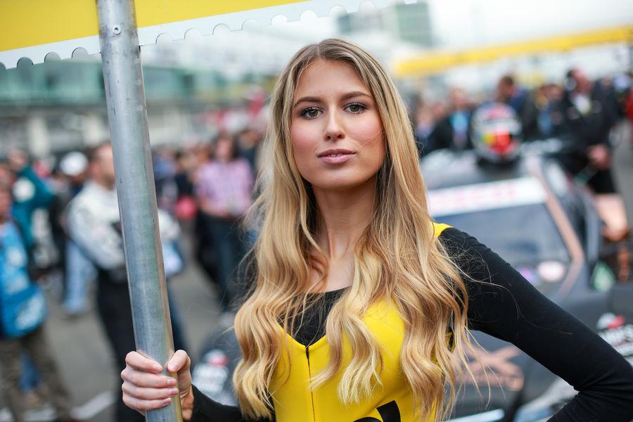 девушки с гонок DTM, сезон 2015 года, автоспорт-36