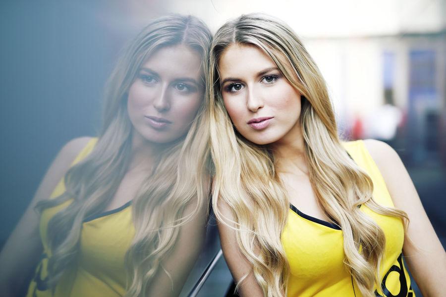 девушки с гонок DTM, сезон 2015 года, автоспорт-6