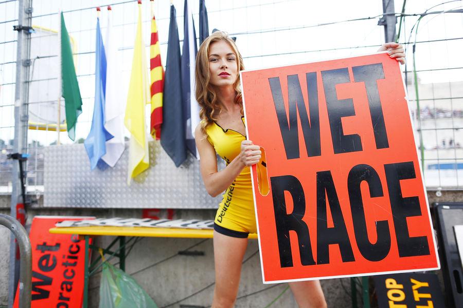 девушки с гонок DTM, сезон 2015 года, автоспорт-7