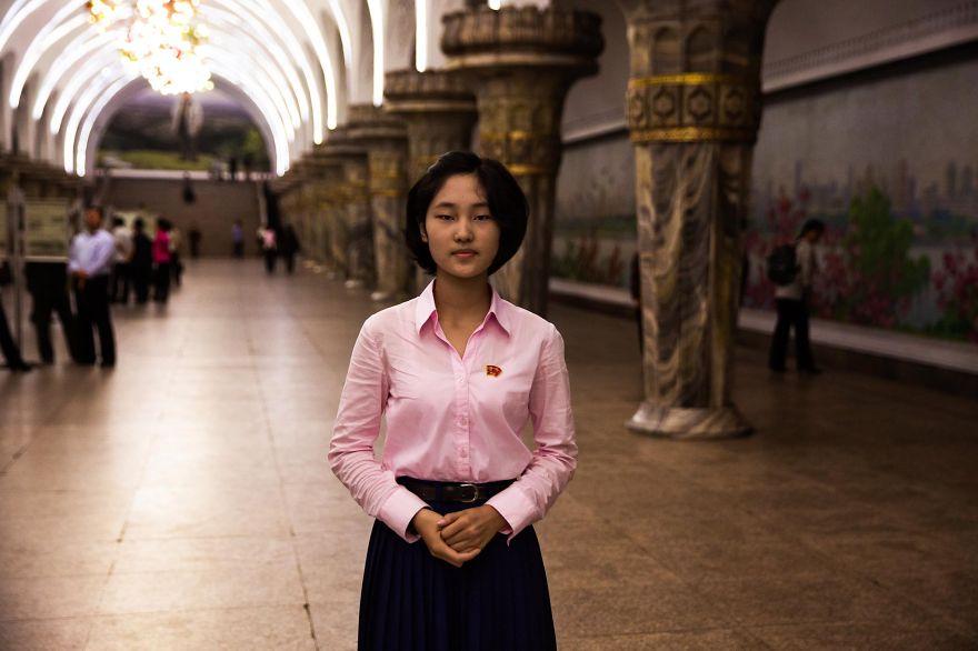 фотографии девушек на улицах Северной Кореи-10