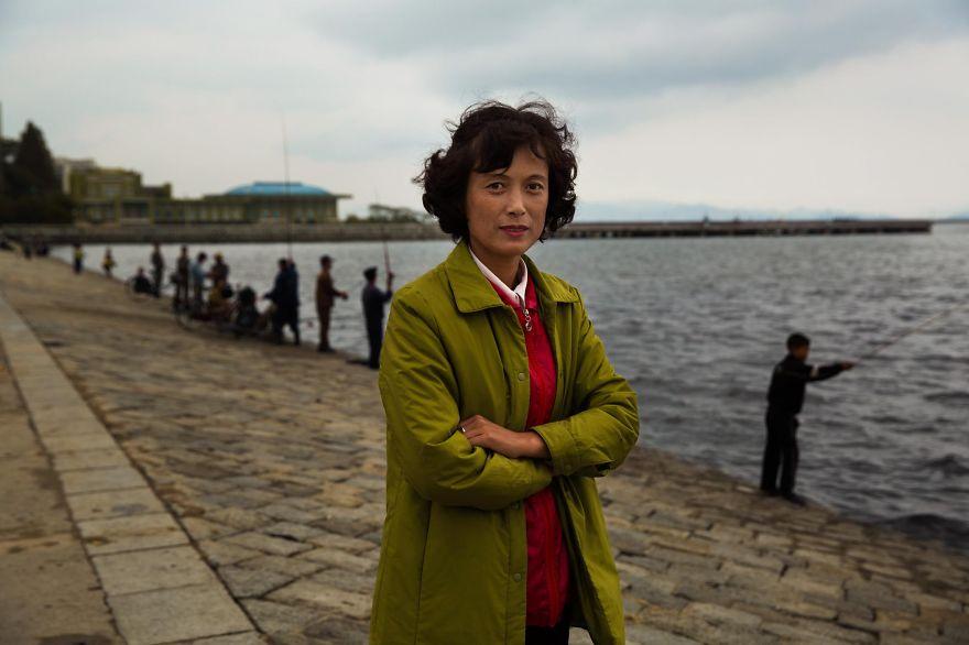 фотографии девушек на улицах Северной Кореи-13