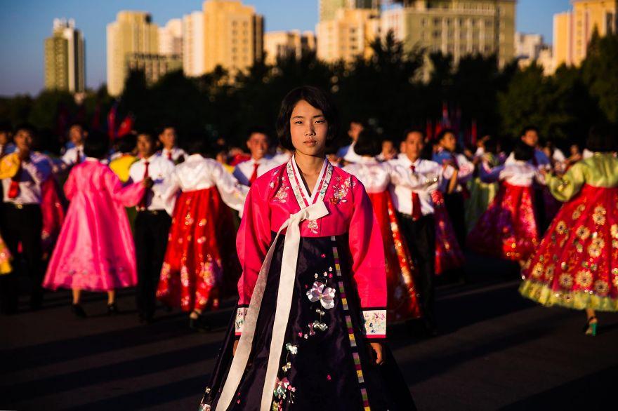 фотографии девушек на улицах Северной Кореи-15