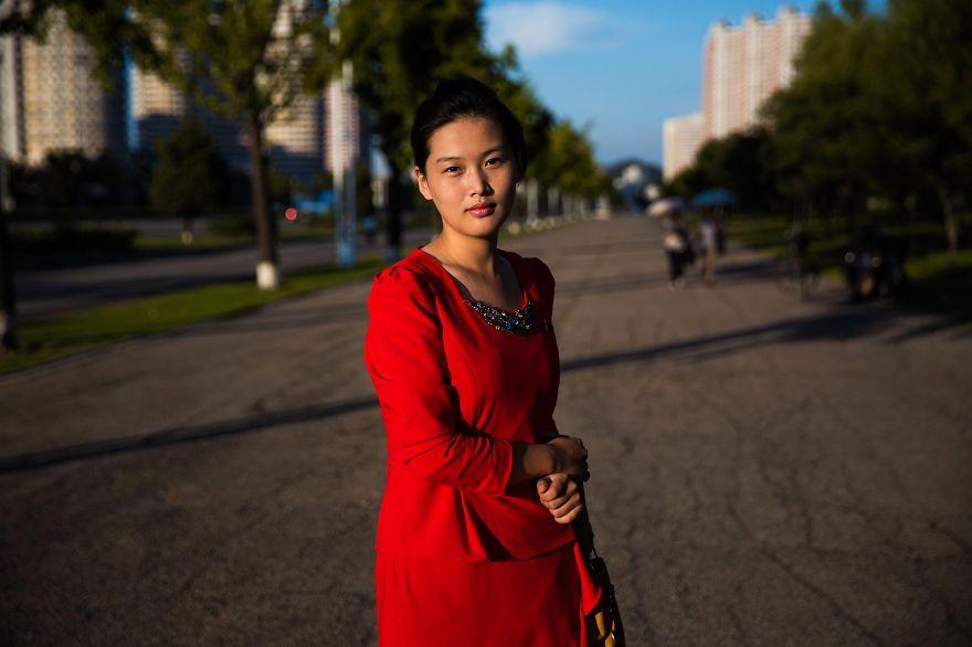 фотографии девушек на улицах Северной Кореи-3